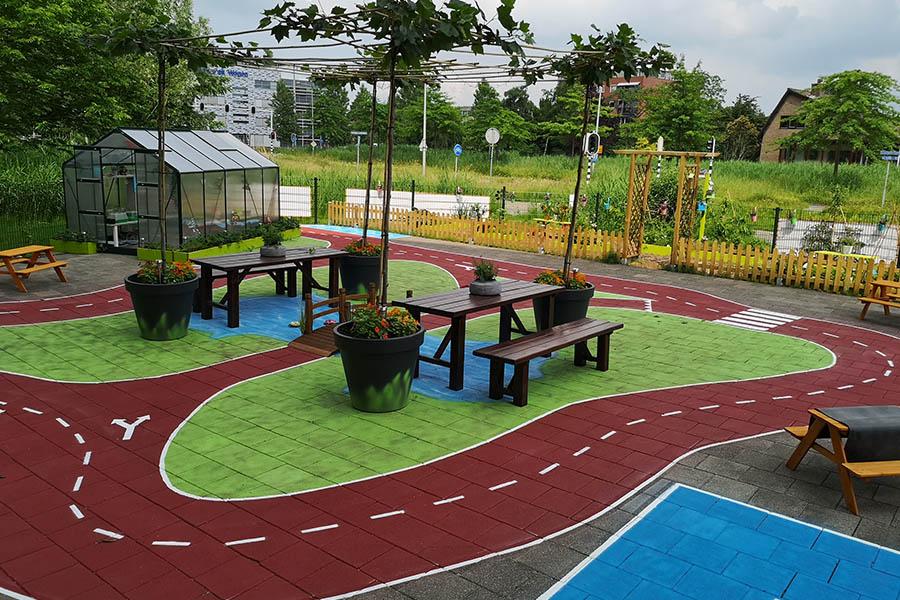 buitenplein buitenspelen kinderopvang 4 tm 8 jaar