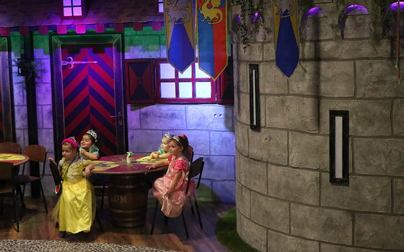 theater show op kinderdagverblijf vipkids gouda